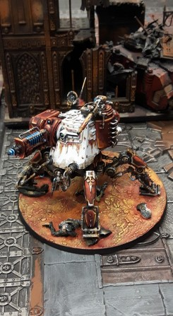 Dunecrawler with changeable weaponry