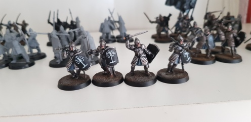 These are the four Warriors of Minas Tirith I had already finished. Only the bases remain.